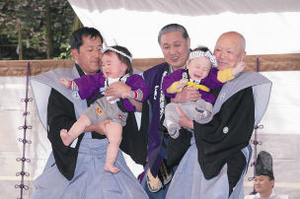 photograph:Bishamon Festival / All Japan Crying Baby Sumo Tournament