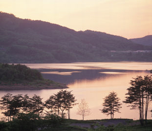 photograph:Lake Tase